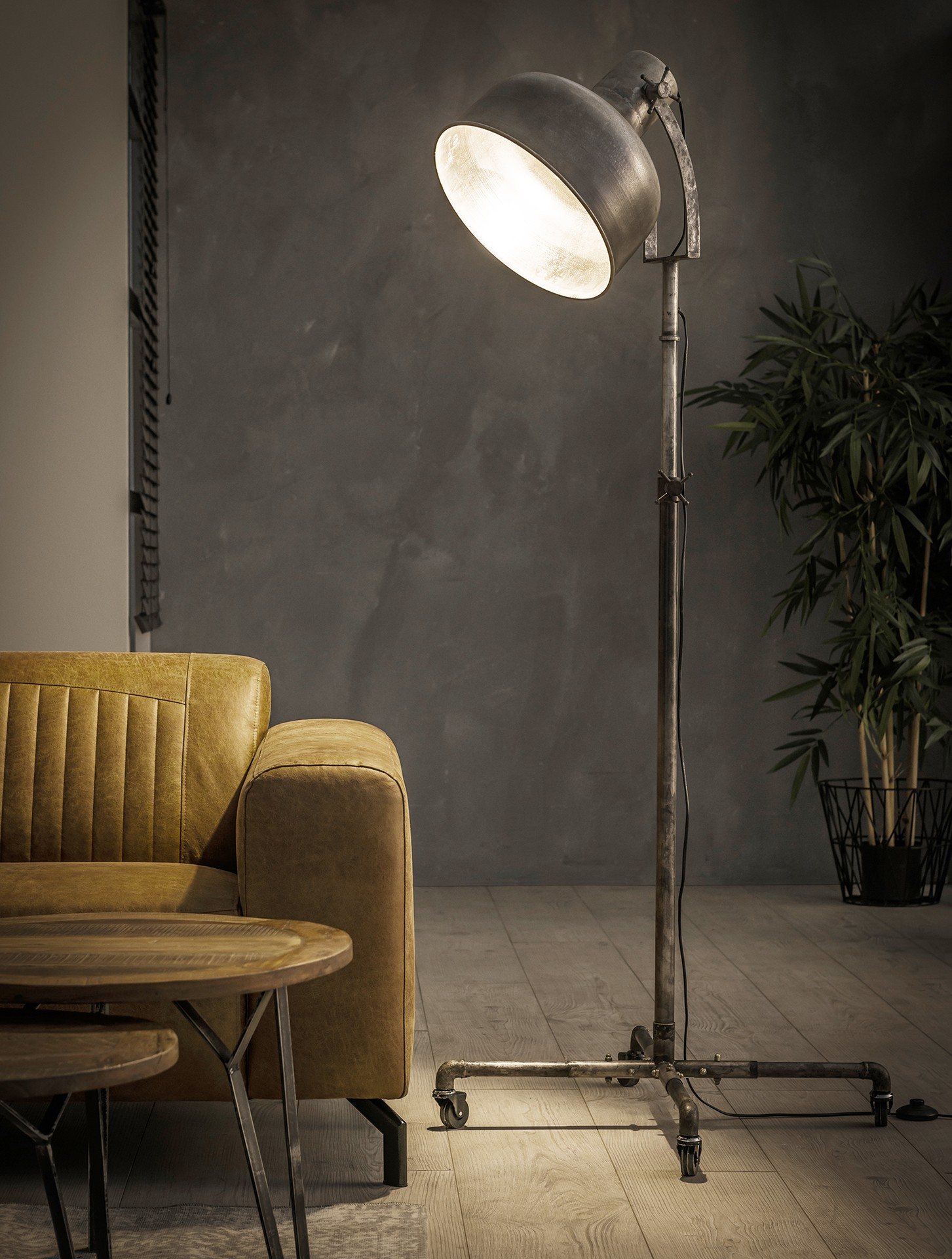 Vloerlamp industry op wieltjes - Oud zilver