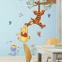 XL muursticker Winnie the Pooh Swinging for Honey
